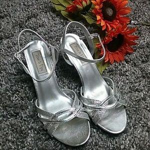 Touch ups heels 8